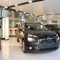 Showroom Bozzo's Auto Center Wiedikon