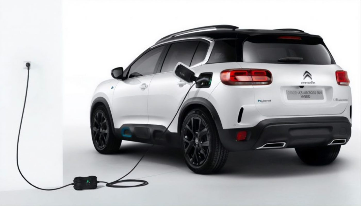 Citroen-C5-Aircross-Plug-In-Hybrid-an-Wallbox